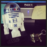 New Desk Toys: R2D2 Candy Despenser and awesome PEA Kikkerland PEA windup toy.